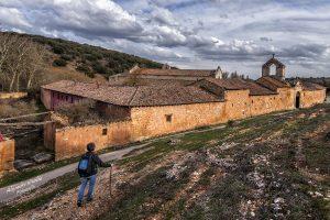 """Fotografía ganadora del segundo premio del concurso """"El Camino Lebaniego a su paso por Palencia"""" Foto tomada en el monasterio de San Andrés de Arroyo"""